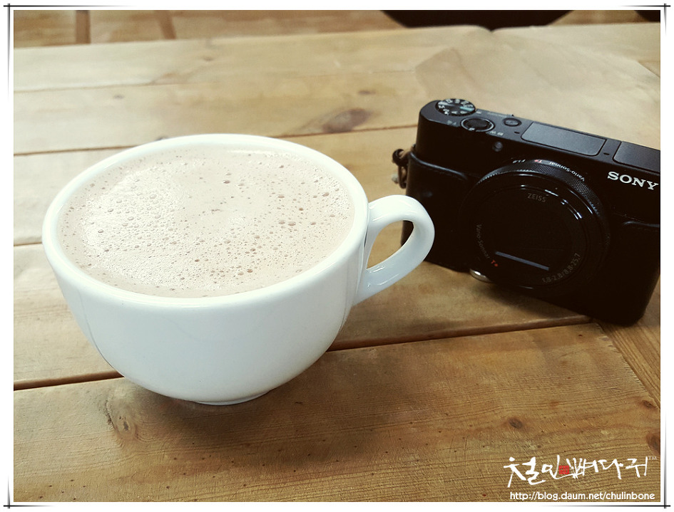 따뜻한 코코아와 사진기