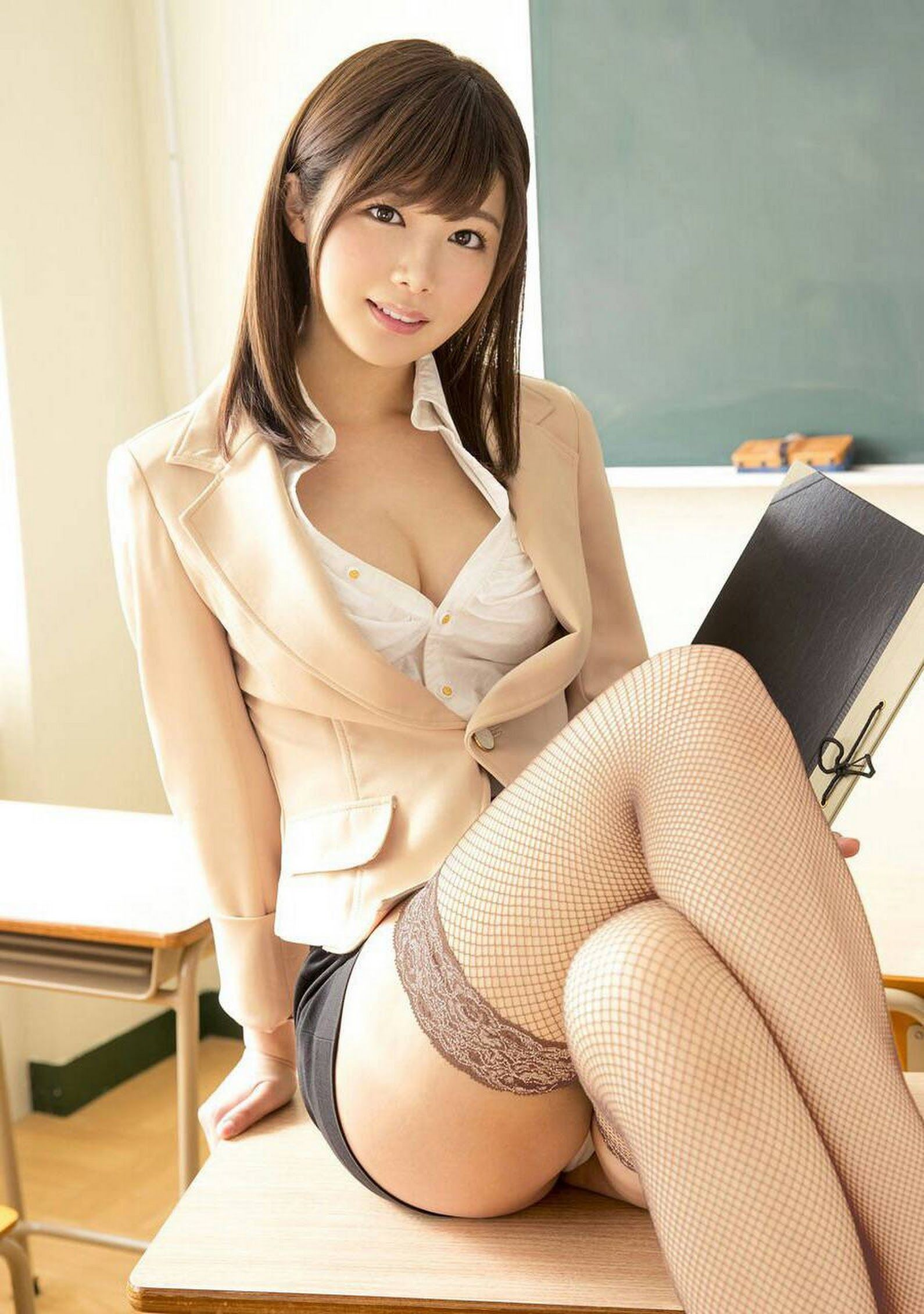 I like the Japanese girl that mood, body line and breast