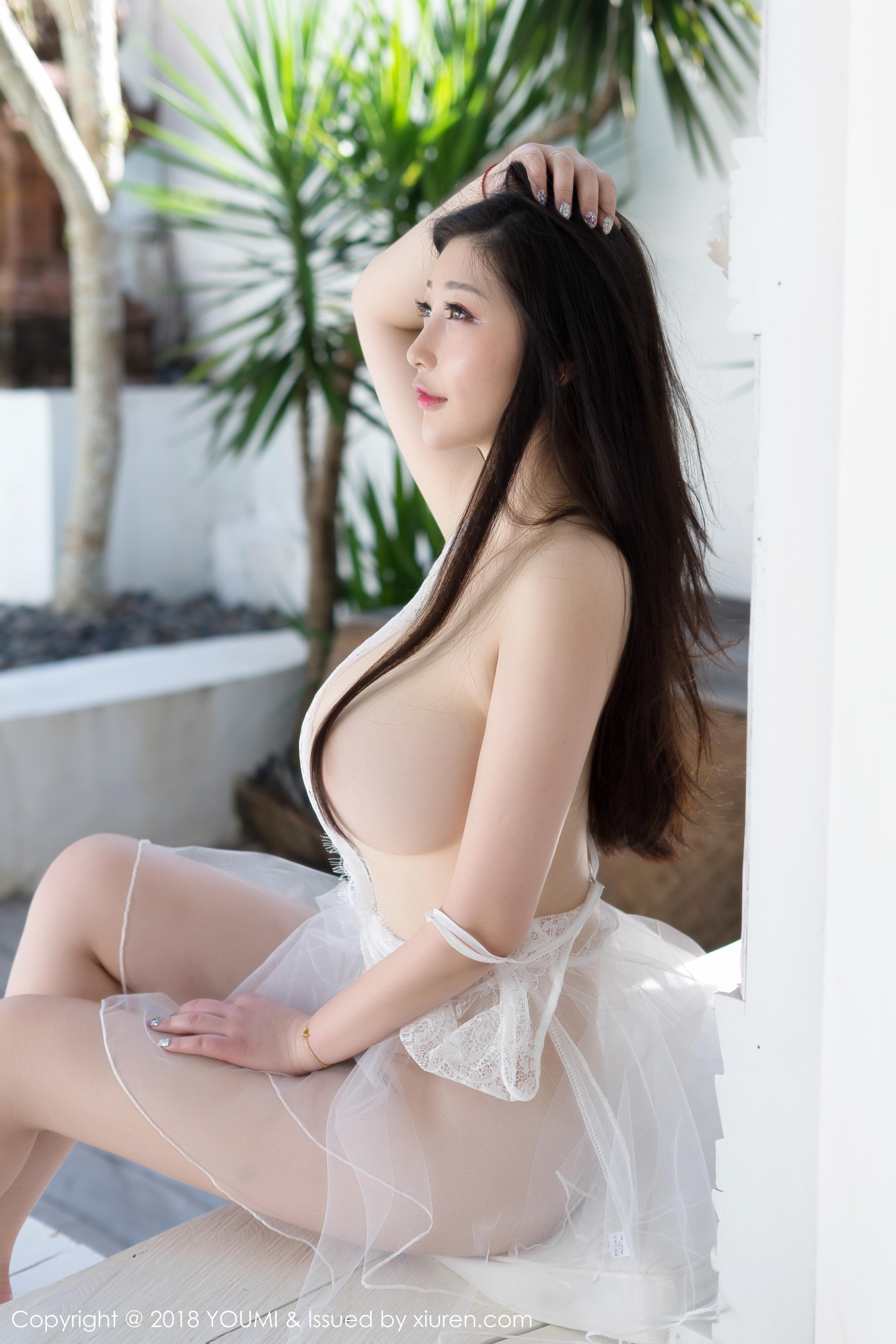 hot Chinese glamour - I like it